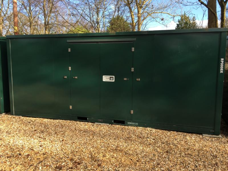 20ft Container storage units closed
